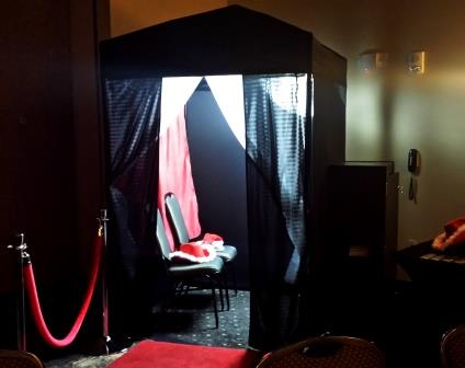 Photo booth Fargo, photo booth Bismarck, picture of Powerplay DJ's state of the art photo booth